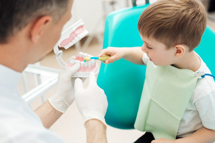 kid's first dental